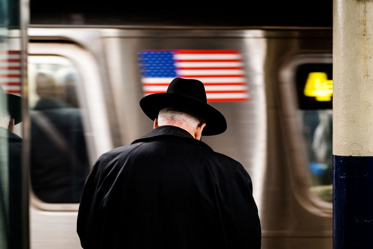NYC, USA - 2018 Old Hat Tyle NYC Subway USA USA FLAG Flag Streetphotography Subway Train Men City Warm Clothing Subway Station Cap Rear View Train - Vehicle Standing Knit Hat
