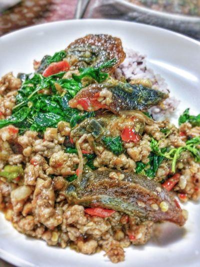 ไข่เยี่ยวม้ากะเพรากรอบราดข้าว Food And Drink Food Ready-to-eat Freshness Plate Healthy Eating No People Close-up Serving Size