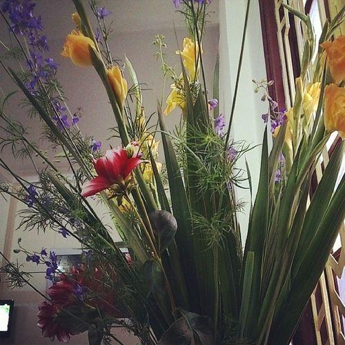 Lọ hoa năm nay trường phái hơi tối giản :v Tetholiday 30thangChap Hanoian Lunarnnewyear