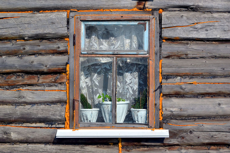 Window in a country house. Kemerovo region, Siberia, Russia Window Day Kemerovo Region No People Old Outdoors Russia Siberia Wood - Material Wooden EyeEm Selects