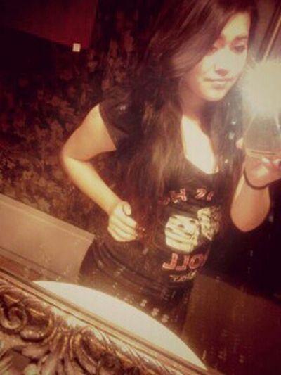 Dirty Mirror. ^.<