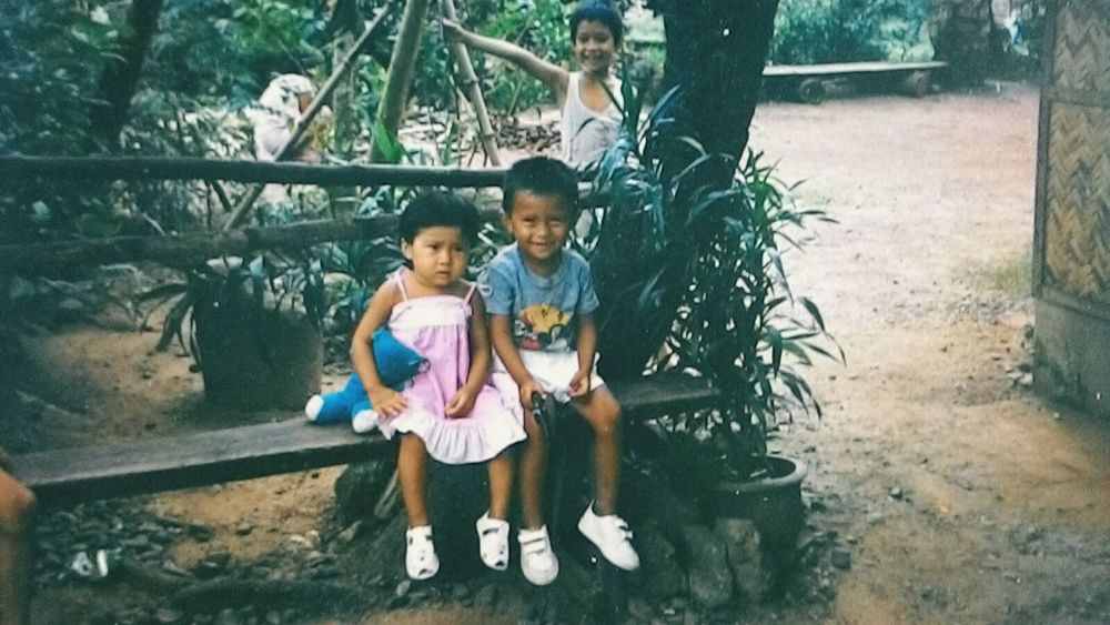 Siblings 1980s Cuties <3 Classic Simple Life Childhood Brother Sister ❤ The Human Condition
