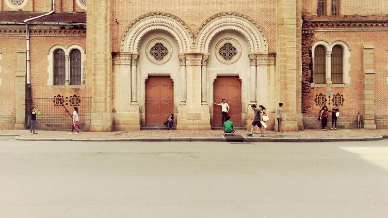 Cathedral Street Photography Eyeemvietnam Travel ASIA Wanderlust Traveling Vietnam Tourists People Watching Symmetry