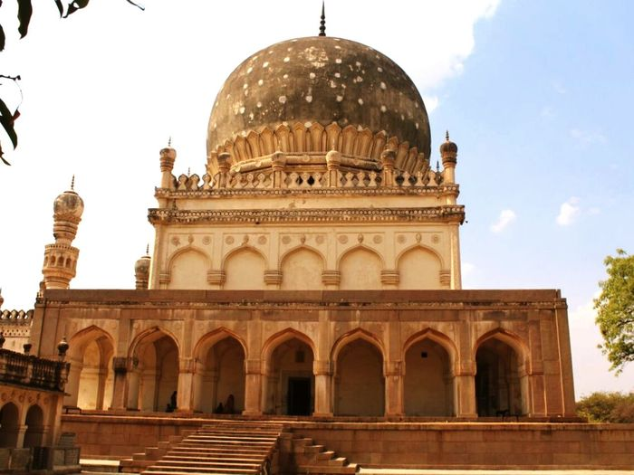 Tomb of Hayath Bakshi Begum, Hyderabad, India