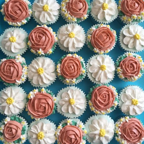 Keep calm and have a cupcake 💆🏻 Cupcake Flower Blue Arrangement Luxury No People Indoors  Sky Day Buttercream Rose - Flower Daisy Baking Cupcakes Cupcakes!