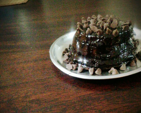 Yummy treats! Chocolate Chocolatelover Chocochips ChocolateSauce Cake♥ Brown Love ♥ Food Love Chocoholic I Baked That