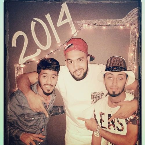 The last house party in 2013 , party till u pass out , happy nee year eveebody Dubai2014 TurnUp Swag Friends passout marina firework dxb @foxanioll