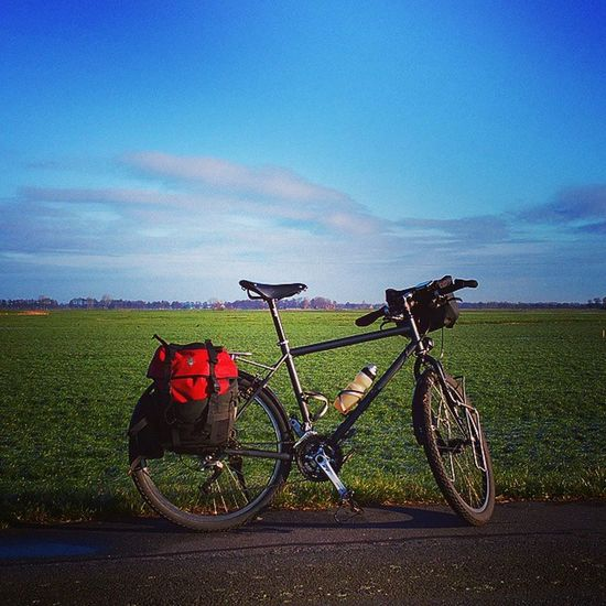 Day 2 of my Xmastour . The bad weather is gone. Sun is shining, temperatures below 0. It's great fun to cycle through the silent. No one is here. Biketour Biketouring Bikelove Cycletour Cycling Sport Nature Fahrrad Fahrradtour
