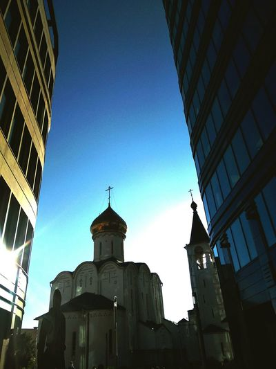 Old faith Church in Moscow business park Urban Urban Skyline Urbanphotography Place Of Worship Architecture White Square Moscow Church Oldfaithchurch EyeEmNewHere The Week On EyeEm Mix Yourself A Good Time Rethink Things Be. Ready. Churchesoftheworld Premium Collection Office Park Москва Dome