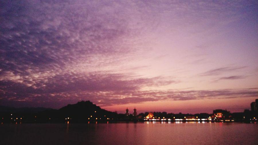 漂亮的火燒雲 蓮池潭 高雄 Kaohsiung 臺灣 Taiwan 火燒雲 Sunset 夕陽