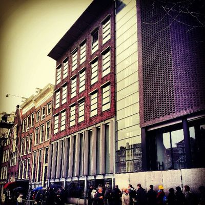 Anne Frank's house. Gave up waiting in line for 3hrs. みんな気合いがちがうね。Amsterdam Iaminamsterdam