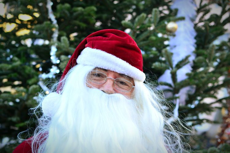 Oh oh oh ... Santa Claus Headshot Portrait Christmas Men Front View Close-up