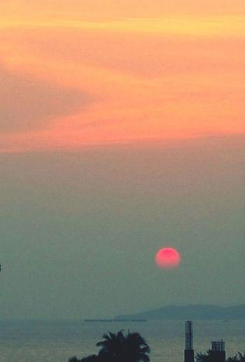 อาทิตย์กำลังจะลา ขอบฟ้ากำลังจะเปลี่ยนสี !!