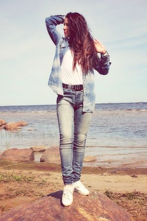 Water Land Long Hair Casual Clothing Hairstyle Sea One Person