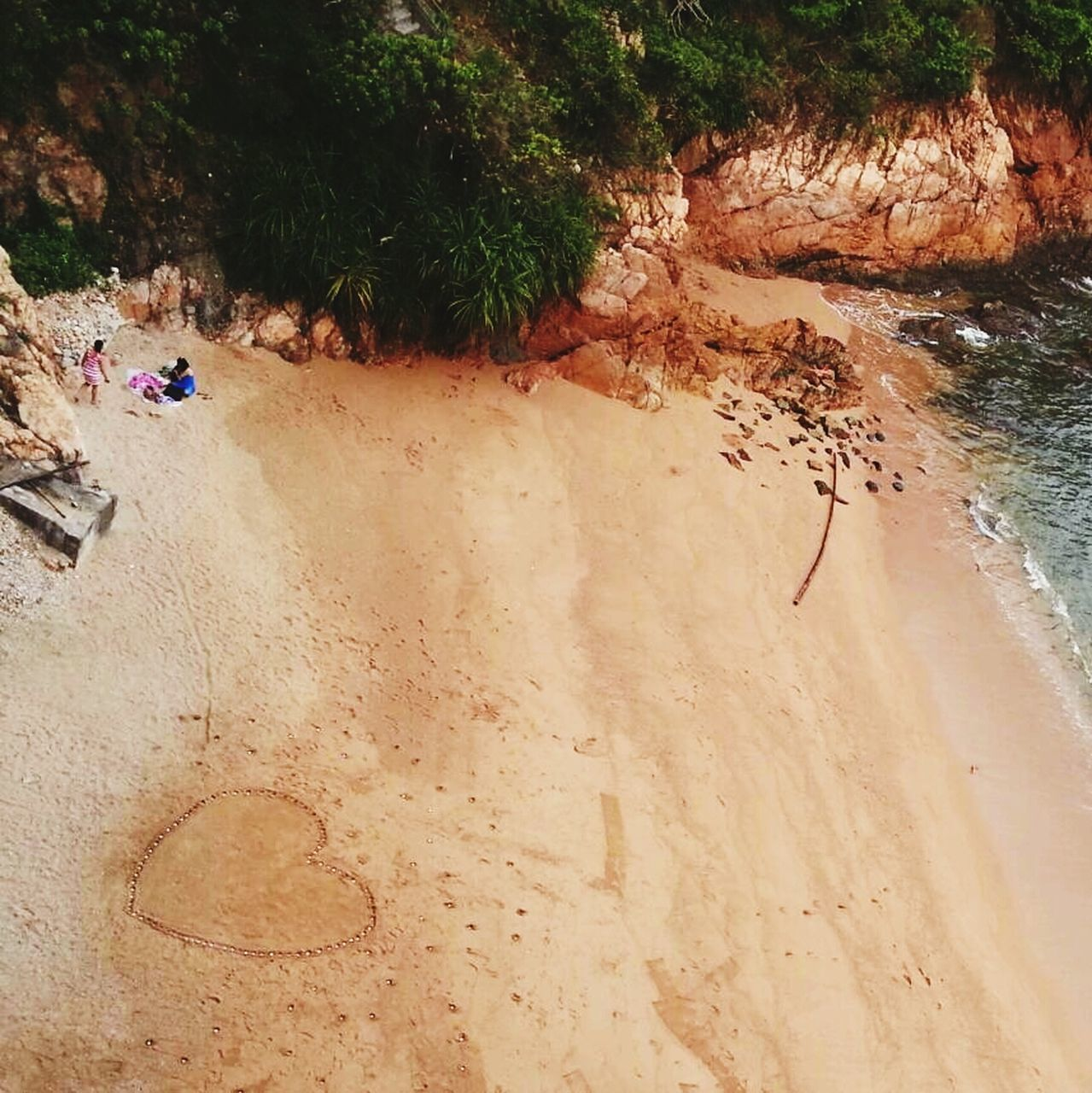sand, nature, day, outdoors, beach, water, real people, beauty in nature, tree, one person, people