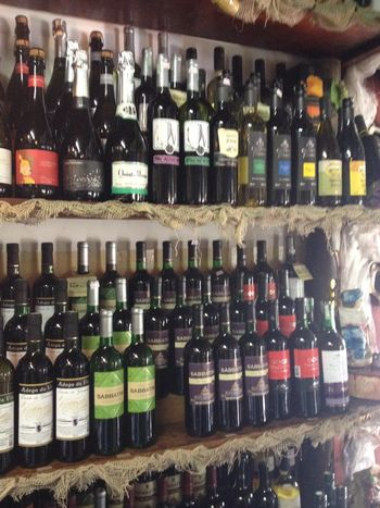 São Roque Vinho Vinhos Wine In A Row Indoors  Large Group Of Objects Side By Side Abundance Arrangement Variation Arranged Collection Button Choice Shelf Order No People