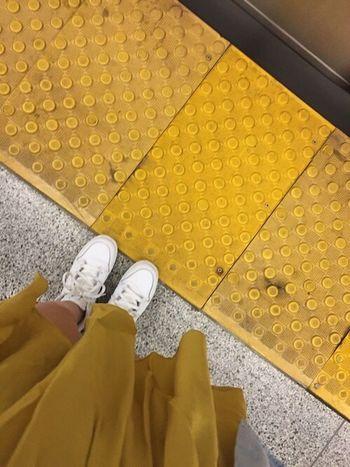 Shoes White Shoes Tumblrgirl Ootd ✌ Jaune Tumblr Ootd