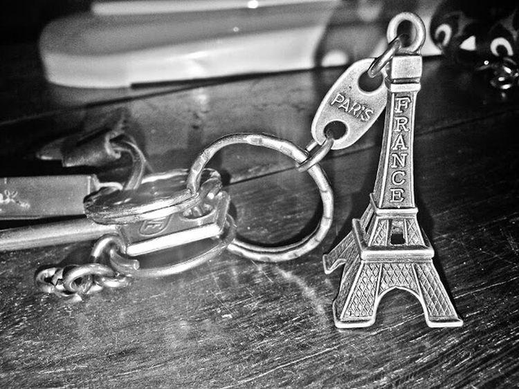 Taking Photos Paris, France  Torre Eiffel Recuerdo Llavero