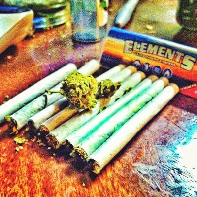 Wakenbake Highlife 8joints To  The headskysthelimit