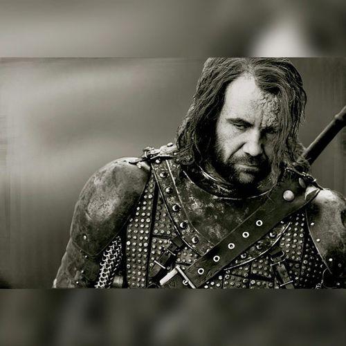 Un caballero es una espada a caballo. Gameofthrones Thehound Sandorclegane