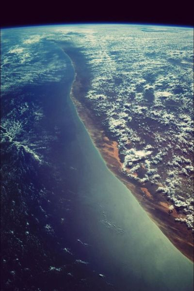 Earth From An Airplane Window Terre Monde