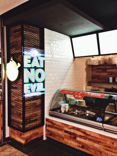 Munch Saladsmith & Rotisserie Singapore @ Novena Square 2. We eat no evil !