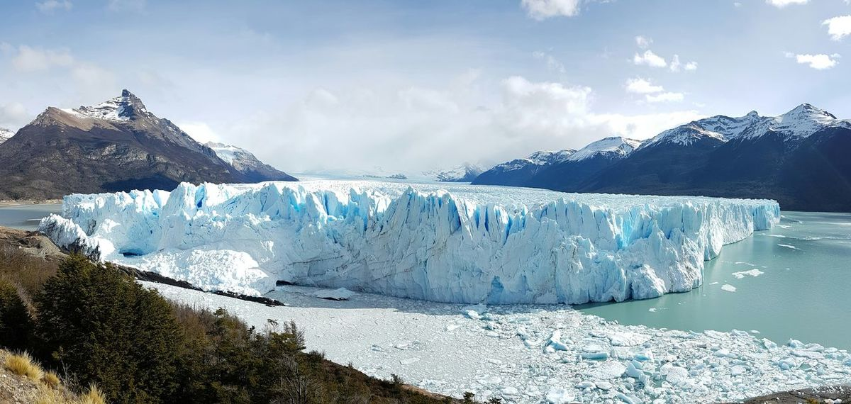 Mountain Range Beauty In Nature Scenics Landscape Outdoors Mountain Nature Patagonia Argentina Andes Mountains Perito Moreno. Patagonia. Argentina. Snow ❄ Ice Glacier National Park Floating On Water Nature Frozen Tranquil Scene Beauty In Nature Lake Panoramic Views