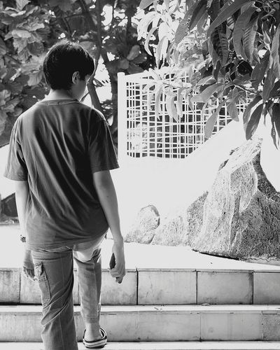 I look back, but i'll make sure you won't notice. Lonely Boy Teenage Boy Black And White Photography Wandering Around Aimlessly Looking Back On Life