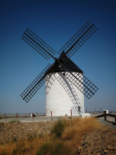 Quijote Quijote Gigantes Giant Sky Windmill Wind Turbine Traditional Windmill Wind Power Alternative Energy Fuel And Power Generation Oil Pump Sky