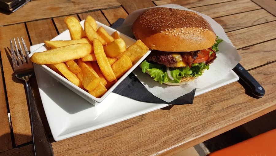 Hamburger High Angle View Wood - Material Prepared Potato Table Plate Close-up Food And Drink