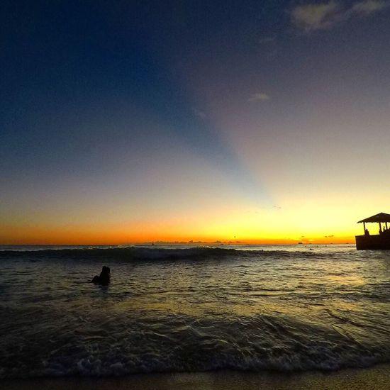 waikiki beach Sunset Sea Silhouette Water Nature Beauty In Nature Outdoors Wave Beach Horizon Over Water Scenics Sky Sun Beams