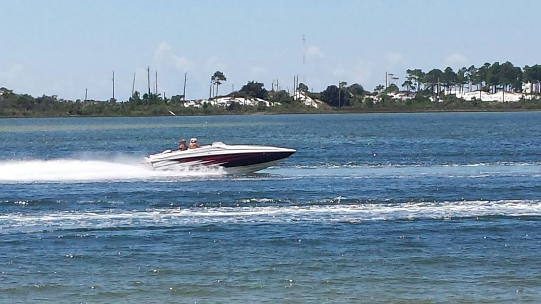 Emerald coast poker run today! Boats Boating Boat Life Watching Boats Boats Boats Boats Taking Photos Taking Pictures
