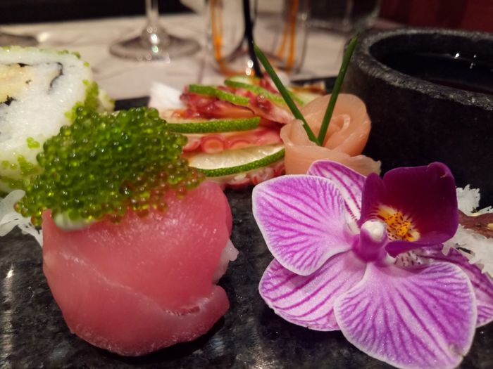 Flower Freshness No People Close-up Pink Color Indoors  Table Food Beauty In Nature Water Flower Head Day Ready-to-eat sushi and sashimi presentation Refraction Healthy Eating Asian Food Japanese Food