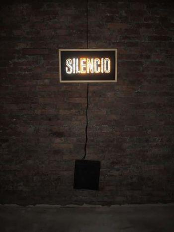 Profundity Murallas Concreto Silencio Calidez