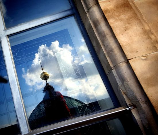 Artphoto Art Artphotography Reflection Sky Window Windowframe Photography Vitreous Glass Ways Of Seeing Capture Capture The Moment Cityscape Sky Architecture Building Exterior Built Structure