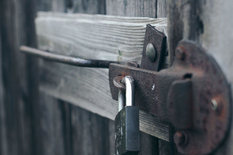 the lock Lock Nature Photography Beautiful See Open The Door... Door Doors Metal Lock Close-up City Daylight Hanging Hanging Out Low Angle View No People Old Photography Relaxing Basement Resistance  Powerful Conquer Tranquil Scene Metal Rusty Wood - Material Wood Garden Photo Wood And Metal The Great Outdoors - 2018 EyeEm Awards The Still Life Photographer - 2018 EyeEm Awards EyeEmNewHere My Best Travel Photo A New Beginning My Best Photo