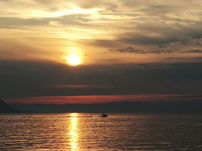 Lespotesenbateau Wakeboard Sunset