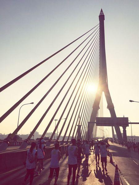 Sunlight Outdoors Real People Sky Sun Running Man Rama8 Bridges Thaicom 25th Healthy Lifestyle Activity Lieblingsteil