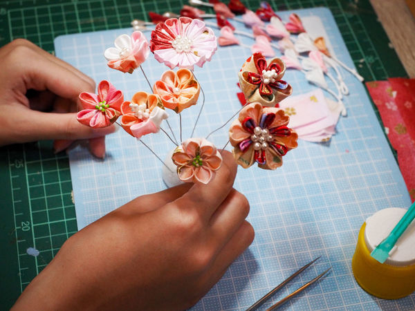 Beautiful DIY Japanese Craft Japanese Culture Japanese Style Bouquet Close-up Day Fabric Art Flower Hair Pin Human Body Part Human Hand Indoors  Kanzashi Kimono Multi Colored One Person Real People Treditional Japanese Style