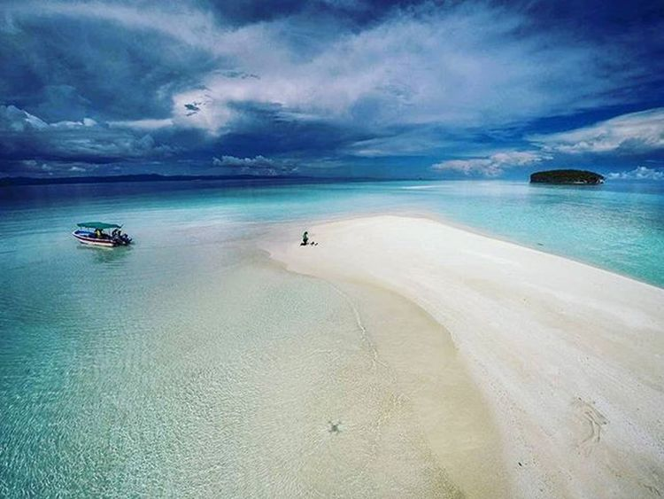 Paradise Rajaampat Pasirtimbul Papua INDONESIA 1000kata Beach Indonesiaplayground Natgeotravel Asiangeographic Drone  Dronephotography Djiphantom Djiphantomindonesia Dronestagram Aerialphotography Instalike Instagram Instagood Photooftheday Dronepointofview Droneartwork Dronedaily
