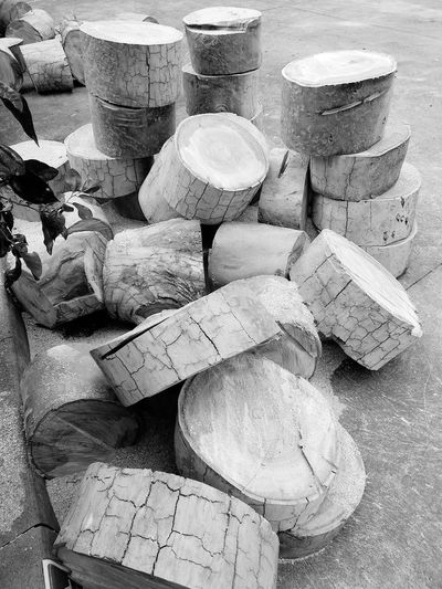 Black And White Tree Fire Wood Fite Wood Material Wood Pile Wood Pieces Tree Section Fire Wood Tree Cut Trunks Tree Trunk Backgrounds Full Frame Stack Beach Sand Close-up