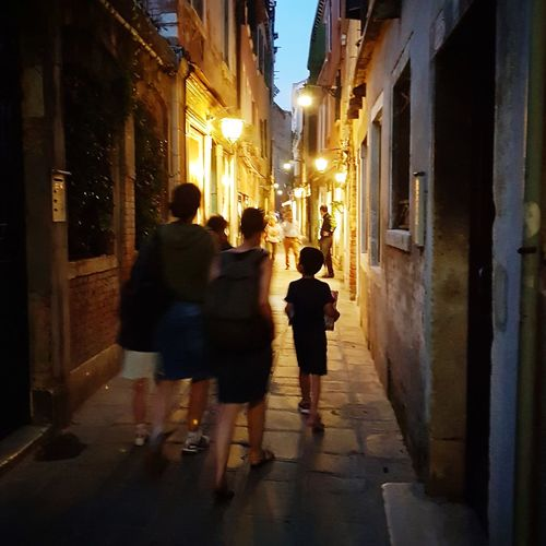 Venise Ruelles City Lights At Night City Full Length Illuminated Women Celebration Architecture Building Exterior Old Town Focus On Shadow Long Shadow - Shadow Shadow HUAWEI Photo Award: After Dark