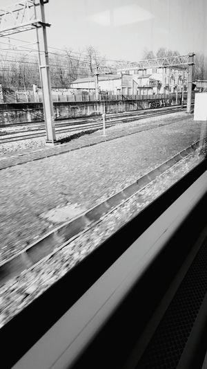 Yeah! Cmon First Eyeem Photo Black & White Treno Viaggio Milano