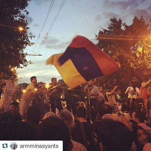 Repost @armminasyants ・・・ Live footage from Electricyerevan : it has been raining but the protestors stand as one at Baghramyan Ave