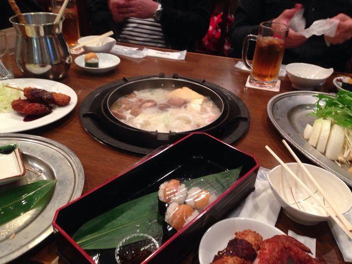 昼ごはん!名古屋コーチン鍋と名古屋三昧セット!