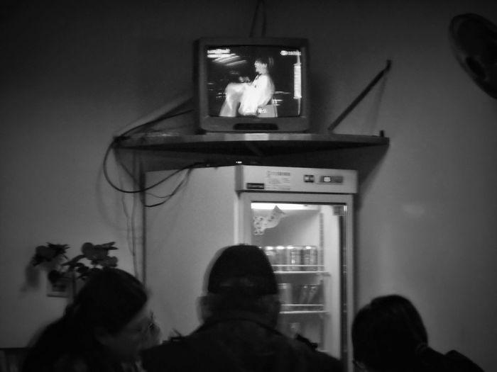 2017/5/27 街拍獵影~闔家晚餐 於中和 Taiwan Bw Bw_lover BW_photography B&w Photo B&w Bw Photography B&w Photography Bwphotography Street Streetphotography Street Photography Streetphoto_bw Street Scene Streetphotography_bw b&w street photography Dinner Dinner Time Dinnertime Low Section EyeEmNewHere