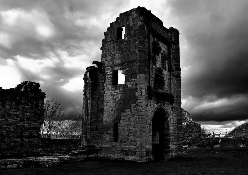 castle of warkworth,england Castle England 🌹 Historical Monuments Ancient Ancient Civilization Architecture Bad Condition Building Exterior Built Structure Castle Cloud - Sky Damaged Day England English Heritage History No People Old Old Ruin Outdoors Sky The Past Travel Destinations