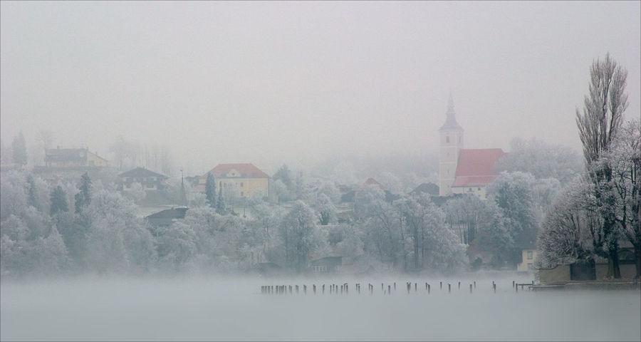 Attersee Austria Schlosskammer Seewalchenamattersee foggy