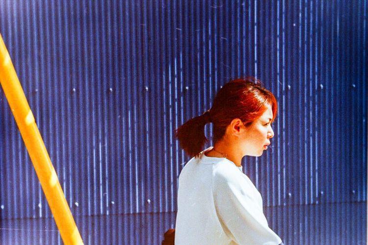 A girl. Leica3f Summitar 50mm Edited Lomographyfilmiso100