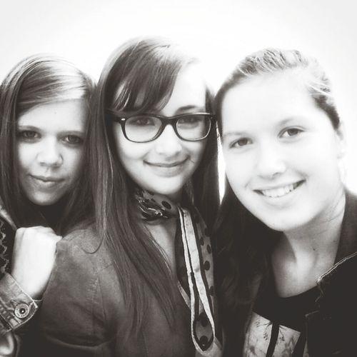 Friends Vous Les Amies Black&white